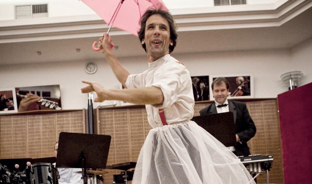 A báltermek koncertje – minden, ami talp alá való