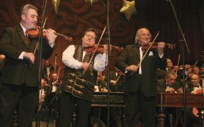 Zene-Bor | A 100 Tagú Cigányzenekar gálakoncertje